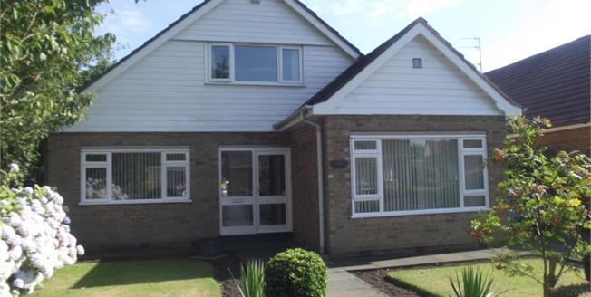 Asking Price £399,950, 3 Bedroom Bungalow For Sale in Formby, L37