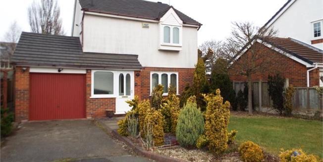 £285,000, 3 Bedroom Detached House For Sale in Formby, L37