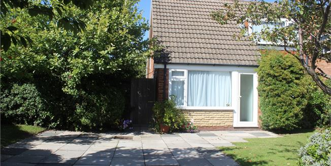 Asking Price £260,000, 3 Bedroom Detached House For Sale in Formby, L37