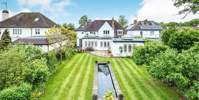 Offers Over £750,000, 5 Bedroom Detached House For Sale in Stratford-upon-Avon, CV37