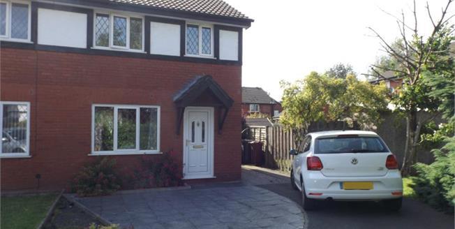 £105,000, 3 Bedroom Semi Detached House For Sale in Blackburn, BB1