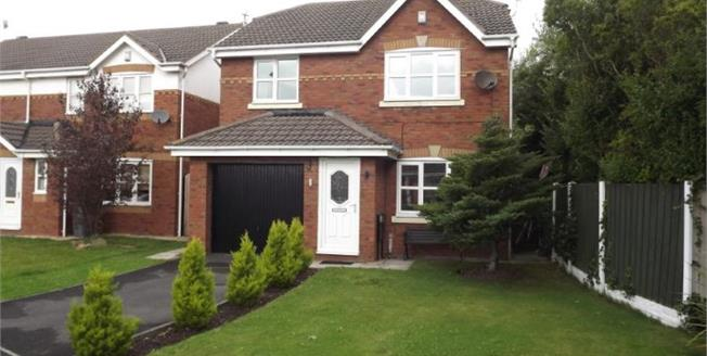 Offers Over £170,000, 4 Bedroom Detached House For Sale in Blackpool, FY3