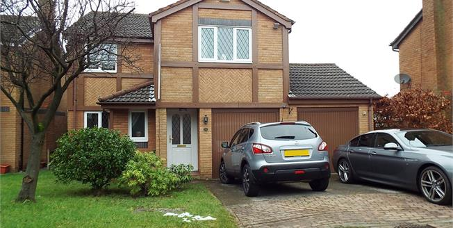 Asking Price £244,950, 4 Bedroom Detached House For Sale in Blackburn, BB1