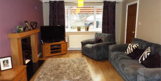 £189,950, 4 Bedroom Detached House For Sale in Burnley, BB11