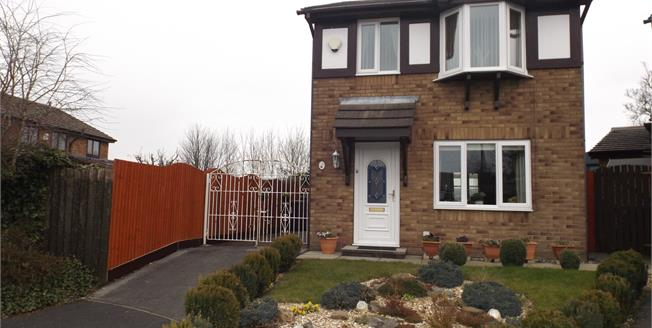 Offers Over £150,000, 3 Bedroom Detached House For Sale in Burnley, BB12