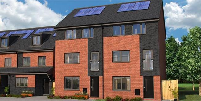 £183,995, 4 Bedroom Semi Detached House For Sale in Rochdale, OL16