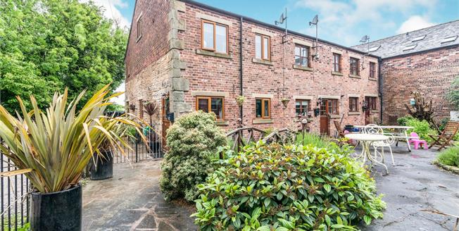 Asking Price £260,000, 3 Bedroom Semi Detached House For Sale in Heywood, OL10