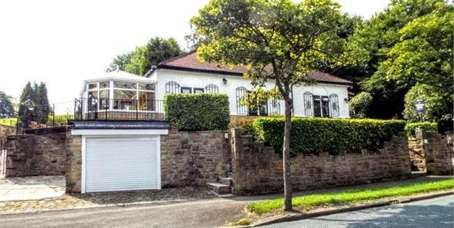 Offers in the region of £250,000, 3 Bedroom Detached Bungalow For Sale in Briercliffe, BB10