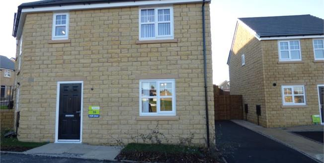 £118,995, 3 Bedroom Semi Detached House For Sale in Burnley, BB11