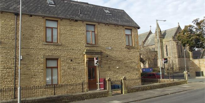Offers Over £90,000, 3 Bedroom Flat For Sale in Burnley, BB11