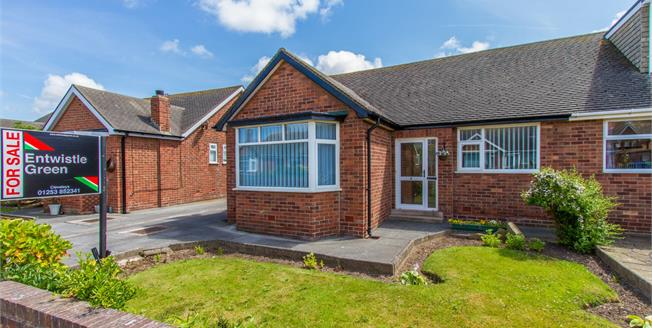 £160,000, 2 Bedroom Semi Detached Bungalow For Sale in Thornton-Cleveleys, FY5