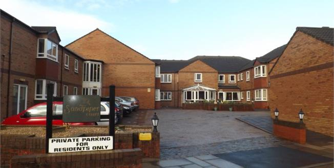 Offers Over £100,000, 2 Bedroom Upper Floor Flat For Sale in Thornton-Cleveleys, FY5