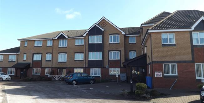 Offers Over £60,000, 1 Bedroom Flat For Sale in Thornton-Cleveleys, FY5