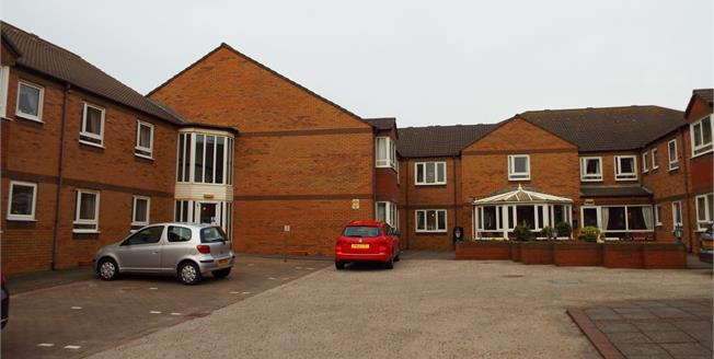 £75,000, 1 Bedroom Flat For Sale in Thornton-Cleveleys, FY5