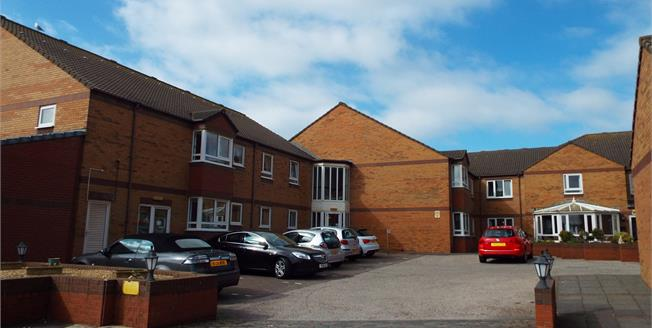 Asking Price £90,000, 2 Bedroom Flat For Sale in Thornton-Cleveleys, FY5