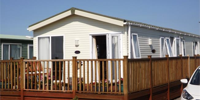 Asking Price £58,000, 3 Bedroom Mobile Home For Sale in Heysham, LA3