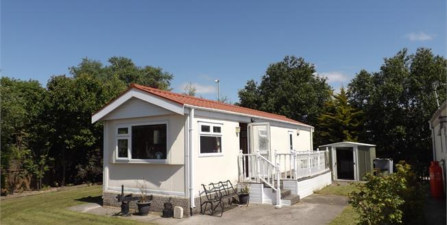 Asking Price £35,000, 1 Bedroom Mobile Home For Sale in Morecambe, LA3
