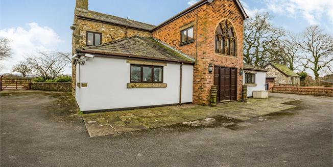 £675,000, 5 Bedroom Detached House For Sale in Samlesbury, PR5