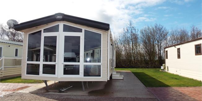 Offers Over £45,000, 2 Bedroom Mobile Home For Sale in Southport, PR9