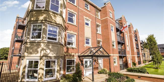 Asking Price £200,000, 2 Bedroom Ground Floor Flat For Sale in Lytham St. Annes, FY8