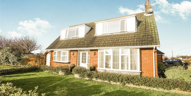Asking Price £299,000, 3 Bedroom Detached Bungalow For Sale in Lytham St. Annes, FY8