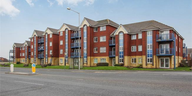 Asking Price £99,950, 2 Bedroom Flat For Sale in Lytham St. Annes, FY8
