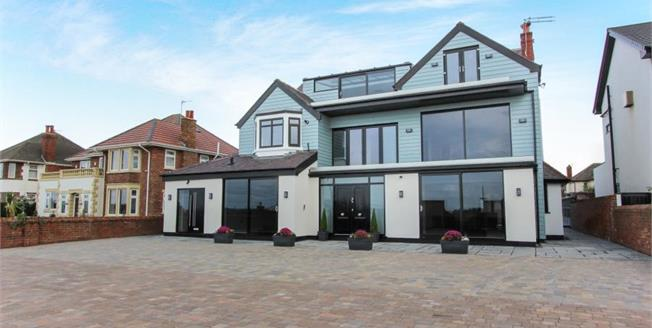 Asking Price £375,000, House For Sale in Lytham St. Annes, FY8