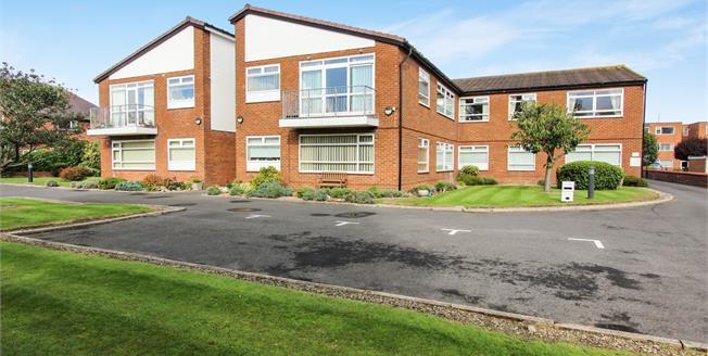 Asking Price £159,000, 3 Bedroom Flat For Sale in Lytham St. Annes, FY8