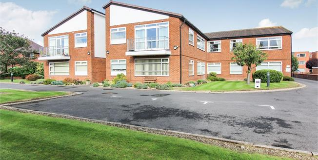 Asking Price £147,500, 2 Bedroom Flat For Sale in Lytham St. Annes, FY8