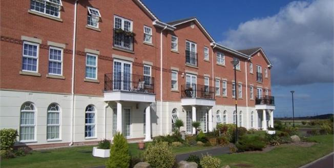 Asking Price £179,500, 2 Bedroom Flat For Sale in Lytham St. Annes, FY8