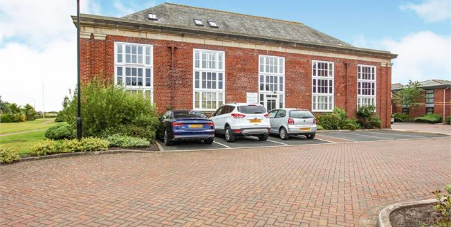 Asking Price £222,000, 2 Bedroom Flat For Sale in Lytham St. Annes, FY8