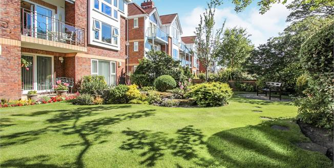 Asking Price £290,000, 2 Bedroom Flat For Sale in Lytham St. Annes, FY8