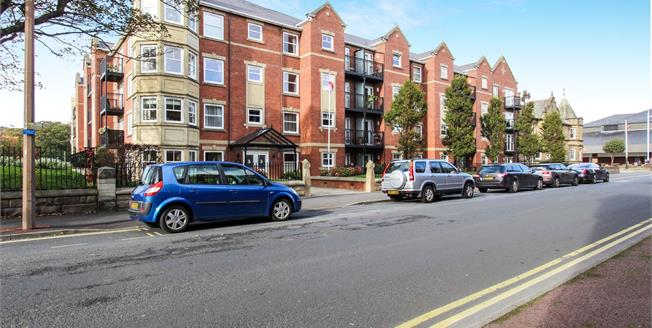 Asking Price £180,000, 2 Bedroom Flat For Sale in Lytham St. Annes, FY8