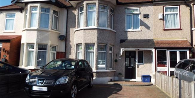 Guide Price £550,000, 3 Bedroom Terraced House For Sale in Ilford, IG2