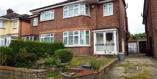Guide Price £500,000, 4 Bedroom Semi Detached House For Sale in Ilford, IG5
