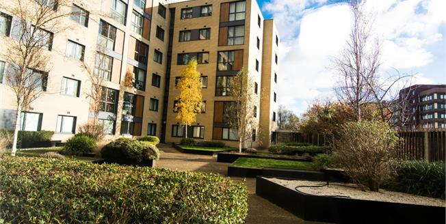 Asking Price £200,000, 2 Bedroom Flat For Sale in Basildon, SS14