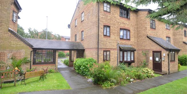 Asking Price £140,000, Flat For Sale in Grays, RM17
