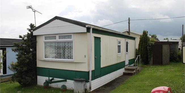 Offers in the region of £25,000, 1 Bedroom Mobile Home For Sale in Althorne, CM3
