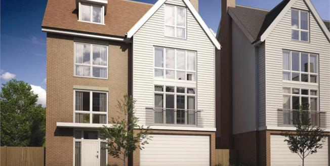 Asking Price £675,000, 5 Bedroom Detached House For Sale in Burnham-on-Crouch, CM0