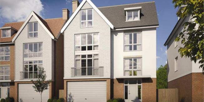 Asking Price £790,000, 5 Bedroom Detached House For Sale in Burnham- On- Crouch, CM0