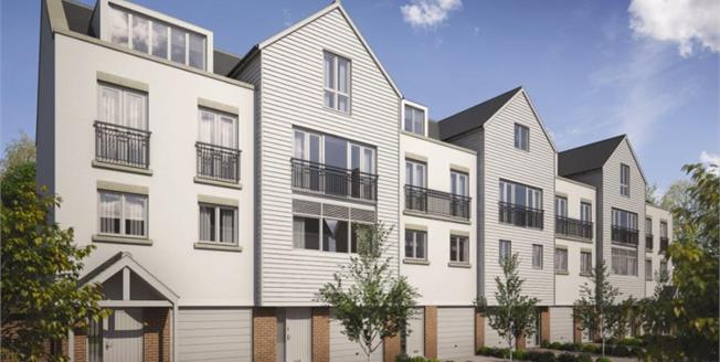 Asking Price £450,000, 4 Bedroom Town House For Sale in Burnham-on-Crouch, CM0
