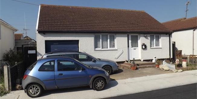 Guide Price £120,000, 2 Bedroom Detached Bungalow For Sale in Jaywick, CO15