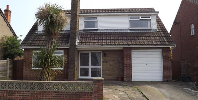 £250,000, 3 Bedroom Detached House For Sale in Clacton-on-Sea, CO15