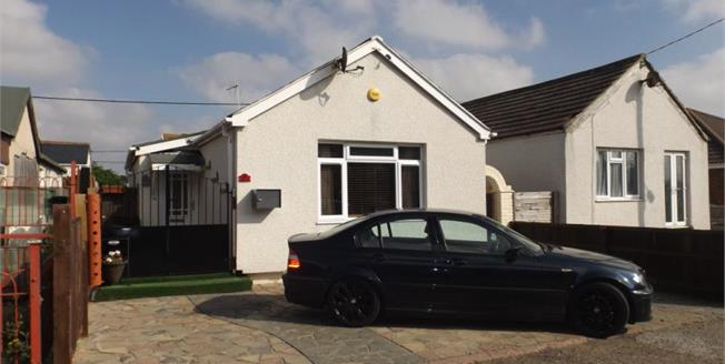 Asking Price £125,000, 3 Bedroom Detached Bungalow For Sale in Jaywick, CO15