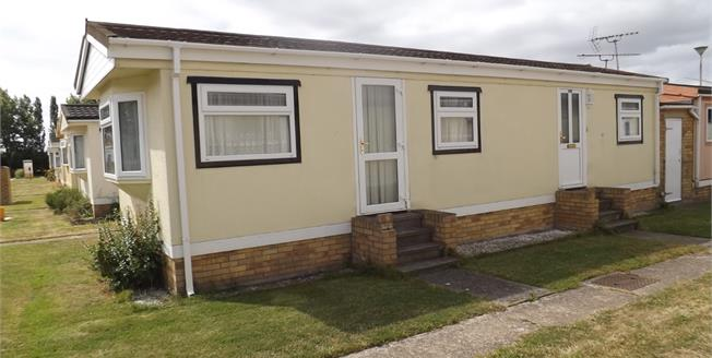 Asking Price £50,000, 1 Bedroom Detached Bungalow For Sale in Little Clacton, CO16