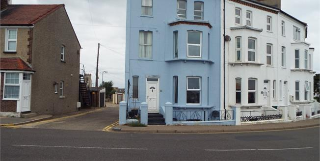 Guide Price £230,000, 5 Bedroom End of Terrace House For Sale in Walton on the Naze, CO14