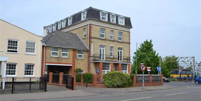 Offers Over £90,000, 1 Bedroom Flat For Sale in Clacton-on-Sea, CO15