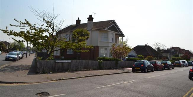 Guide Price £350,000, 6 Bedroom Detached House For Sale in Clacton-on-Sea, CO15