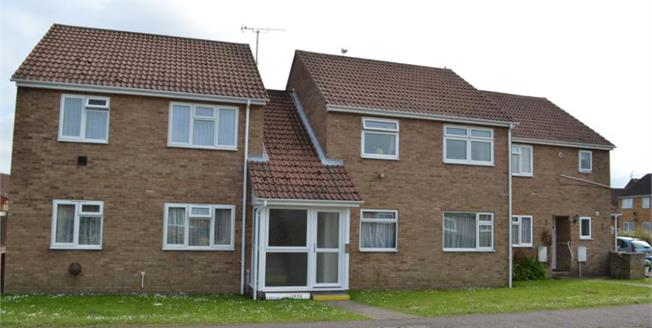 £75,000, 1 Bedroom Flat For Sale in Clacton-on-Sea, CO15