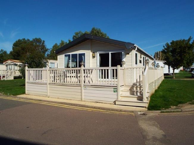 3 Bedroom Mobile Home For Sale In Clacton On Sea For Offers In
